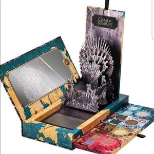 Urban Decay x Game of Thrones Palette